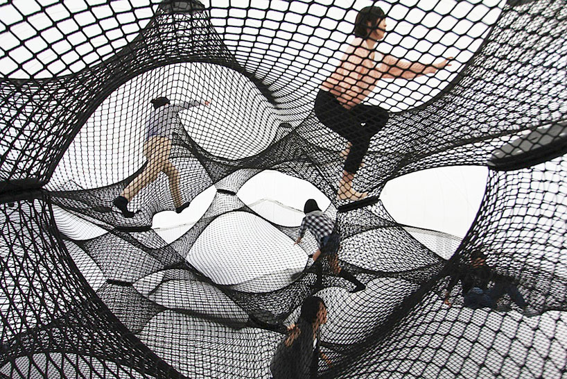 A Climbable Blow-Up Net by Numen/For Use: net-blow-up-yokohama-by-numen-for-use-designboom-001.jpg