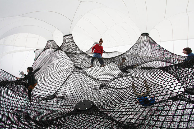 A Climbable Blow-Up Net by Numen/For Use: net-blow-up-yokohama-by-numen-for-use-designboom-002.jpg