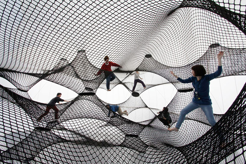 A Climbable Blow-Up Net by Numen/For Use: net-blow-up-yokohama-by-numen-for-use-designboom-05.jpg