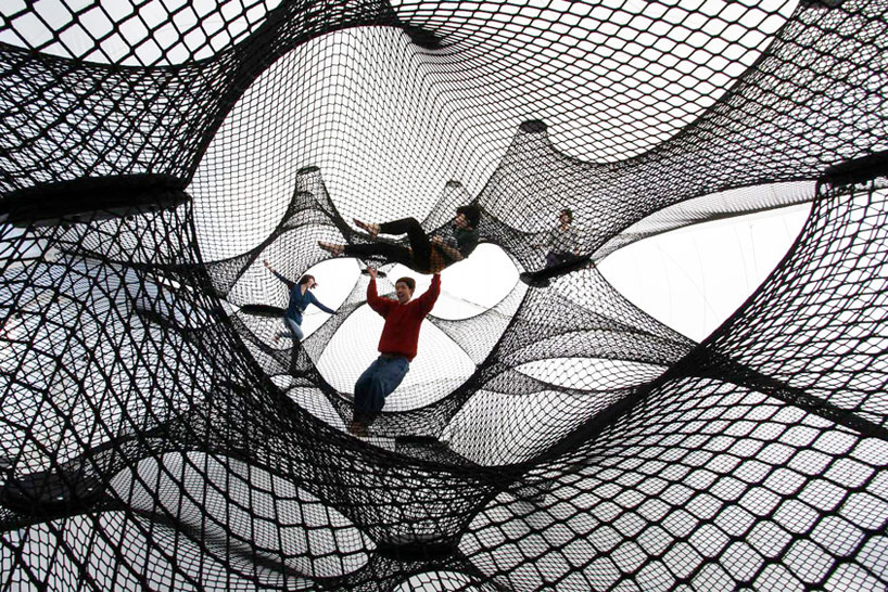A Climbable Blow-Up Net by Numen/For Use: net-blow-up-yokohama-by-numen-for-use-designboom-08.jpg