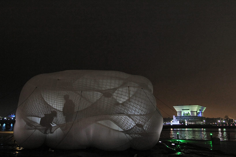 A Climbable Blow-Up Net by Numen/For Use: net-blow-up-yokohama-by-numen-for-use-designboom-10.jpg