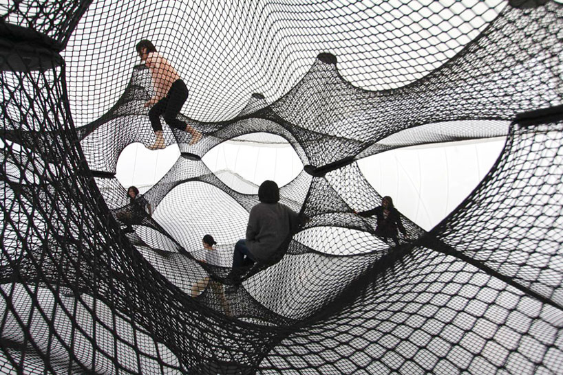 A Climbable Blow-Up Net by Numen/For Use: net-blow-up-yokohama-by-numen-for-use-designboom-103.jpg