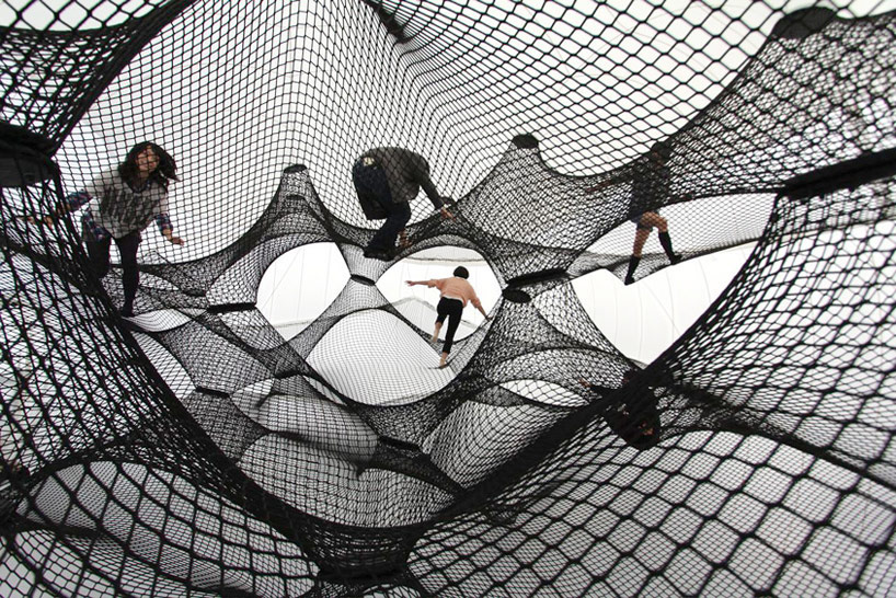 A Climbable Blow-Up Net by Numen/For Use: net-blow-up-yokohama-by-numen-for-use-designboom-104.jpg