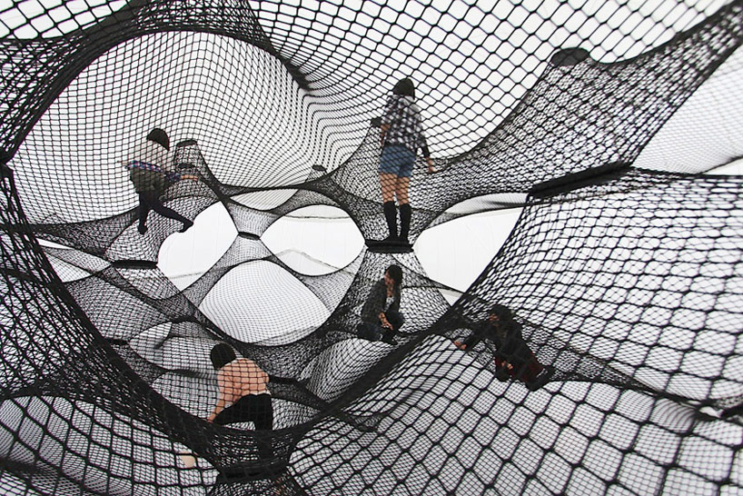 A Climbable Blow-Up Net by Numen/For Use: net-blow-up-yokohama-by-numen-for-use-designboom-105.jpg
