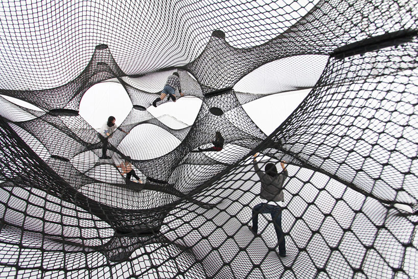 A Climbable Blow-Up Net by Numen/For Use: net-blow-up-yokohama-by-numen-for-use-designboom-106.jpg