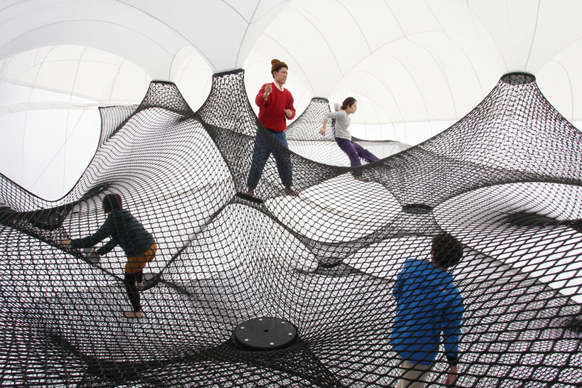 A Climbable Blow-Up Net by Numen/For Use: net-blow-up-yokohama-by-numen-for-use-designboom-107.jpg