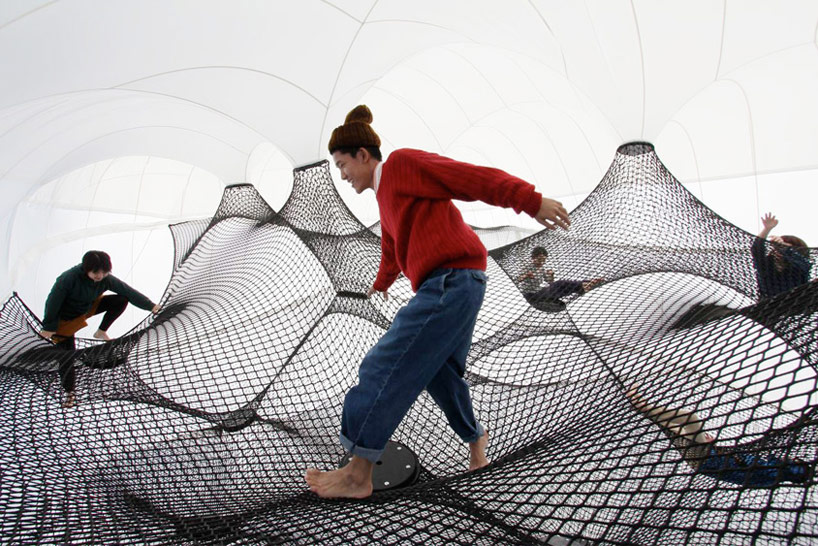 A Climbable Blow-Up Net by Numen/For Use: net-blow-up-yokohama-by-numen-for-use-designboom-108.jpg