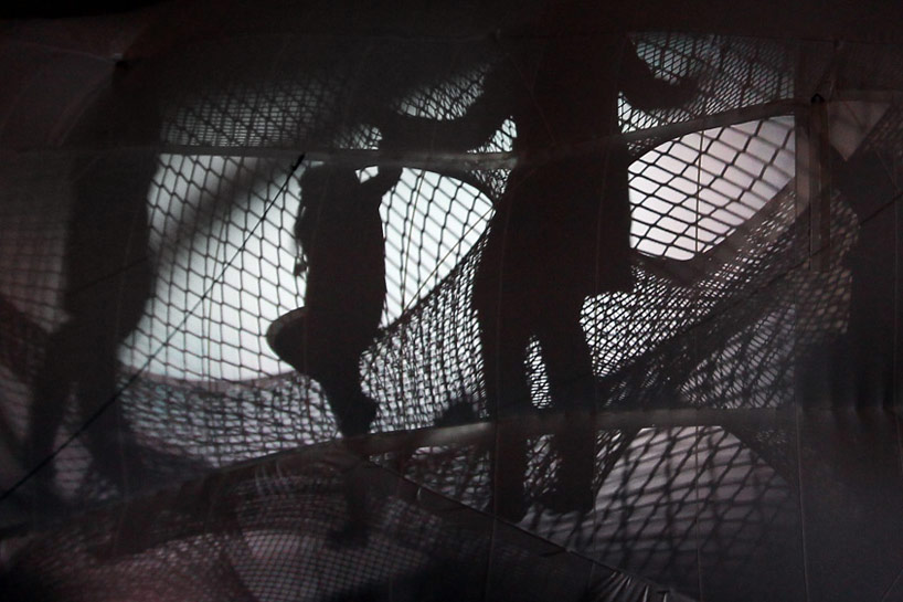 A Climbable Blow-Up Net by Numen/For Use: net-blow-up-yokohama-by-numen-for-use-designboom-109.jpg