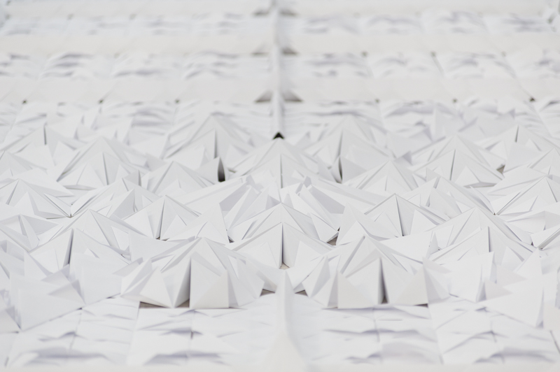 We Make Carpets' Origami Floor: wemakecarpets_a4carpet_detail_2_900.jpg