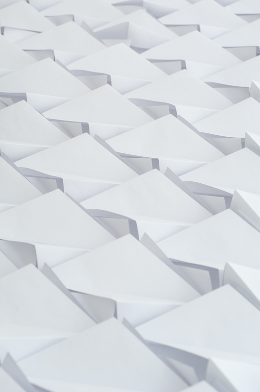 We Make Carpets' Origami Floor: wemakecarpets_a4carpet_detail_5.jpg