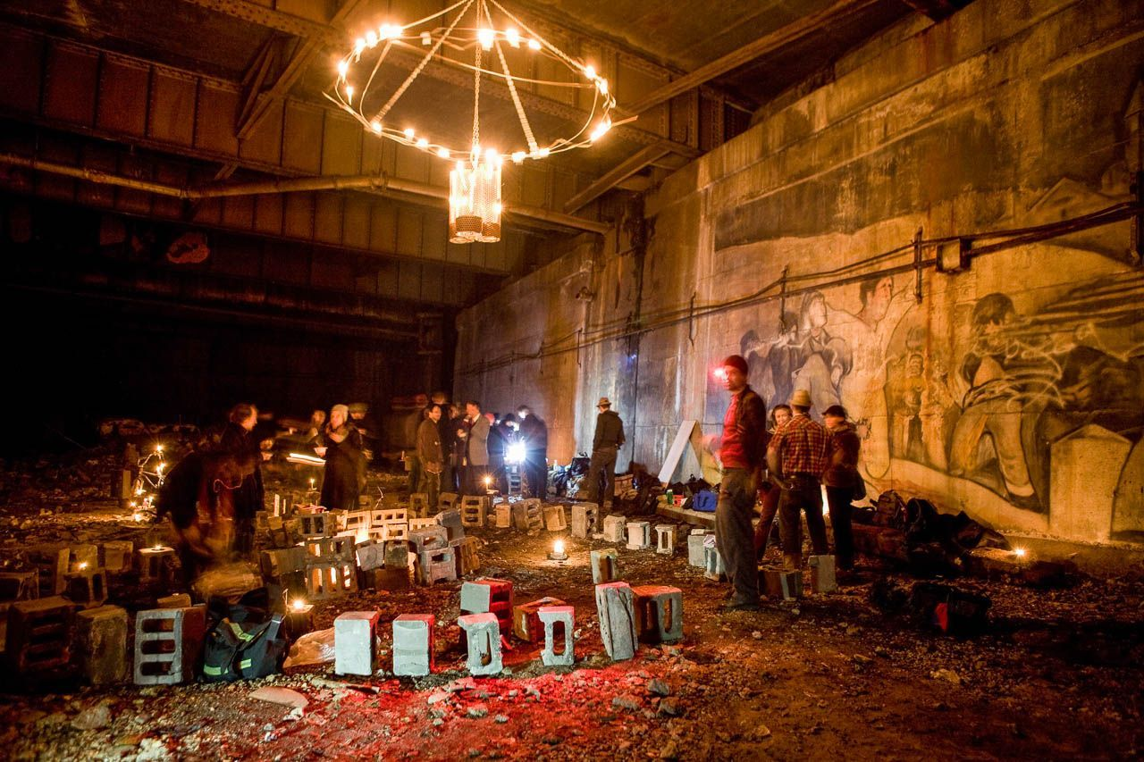 "Tod Seelie ""Bright Nights: Photographs of Another New York"": 4SeRry-0rZT1nErgdz_qhRWvjdthD97vWX8g4fgvBSc.jpg"