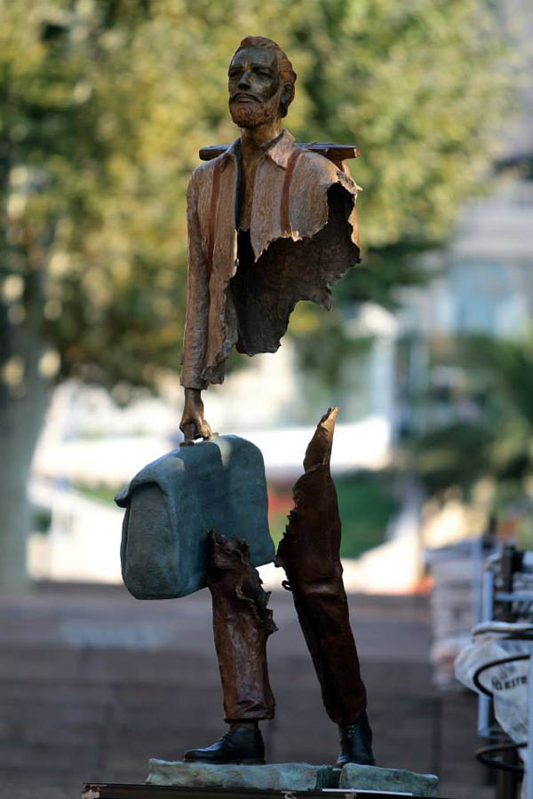 Sculptures by Bruce Catalano: jux_bruno_catalano7.jpg