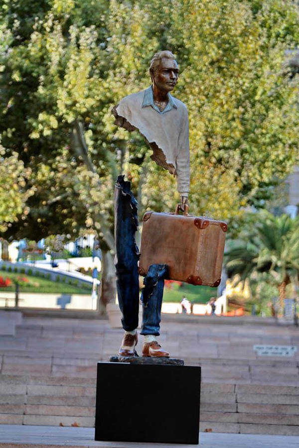 Sculptures by Bruce Catalano: jux_bruno_catalano9.jpg
