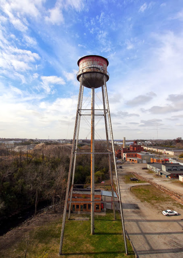 Phlegm paints water tower in Kentucky: jux_phlegm1.jpg