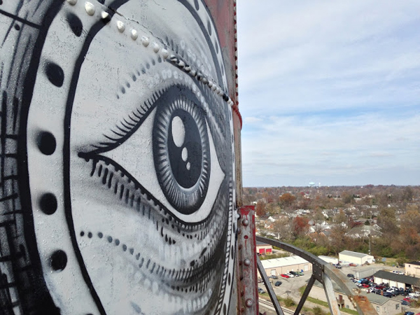 Phlegm paints water tower in Kentucky: jux_phlegm2.jpg