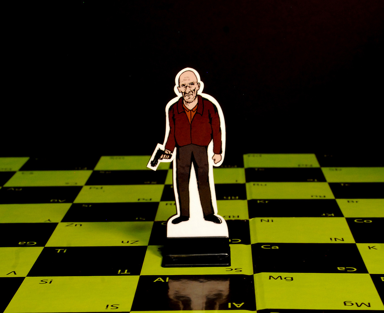 Breaking Bad: The Chess Game by Known Unknown Design: tumblr_mx7u0l9ipv1t50n6co1_1280.jpg