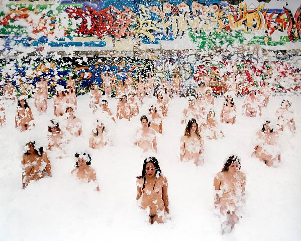 Naked Sea: Spencer Tunick Dead Sea Installation: 528763.jpg