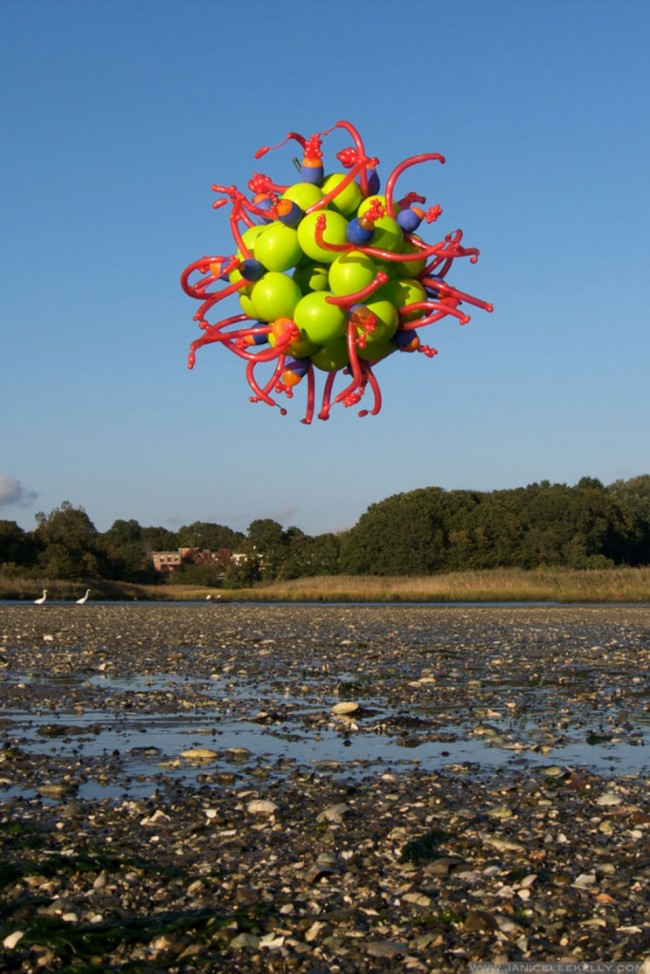 Janice Lee Kelly's Balloons: float-balloon-sculptures-by-janice-lee-kelly-4-650x974.jpg
