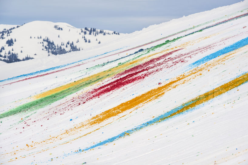 Olaf Breuning Colors The Mountain: olaf-breuning-paints-a-mountain-for-snow-drawing-designboom-