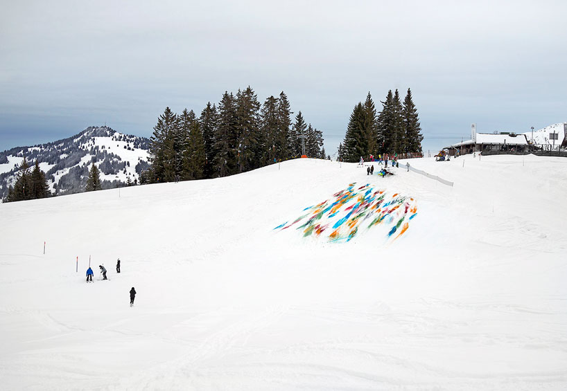 Olaf Breuning Colors The Mountain: olaf-breuning-paints-a-mountain-for-snow-drawing-designboom-09.jpg