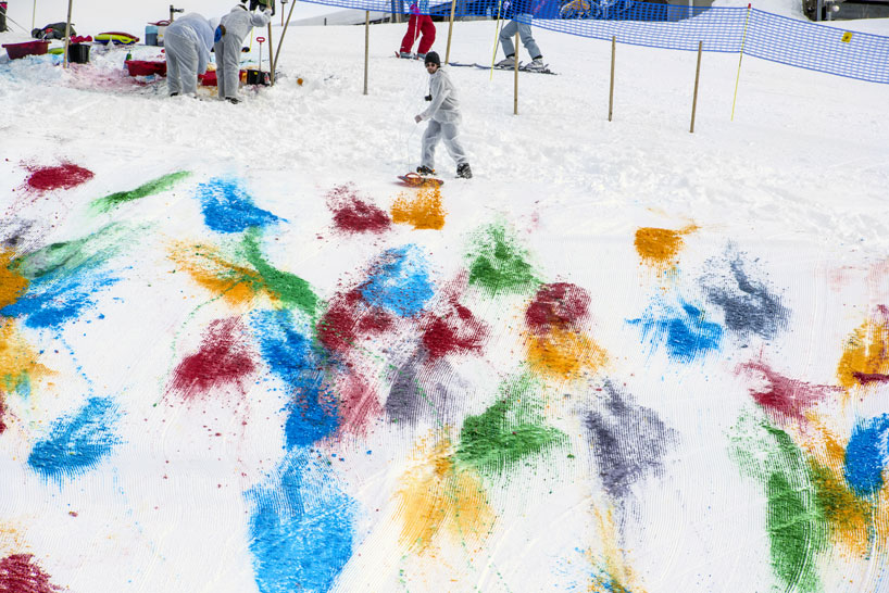 Olaf Breuning Colors The Mountain: olaf-breuning-paints-a-mountain-for-snow-drawing-designboom-23.jpg