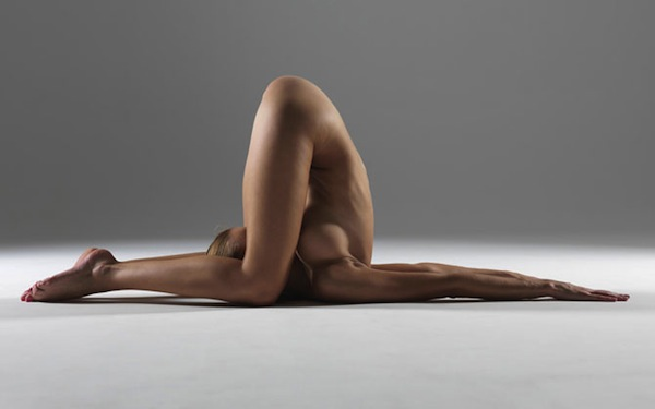 Naked Yoga Indeed: 9wNub.jpg