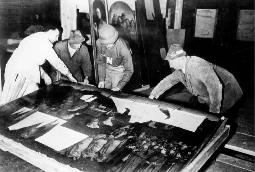 The Real Monuments Men: photo13.jpg