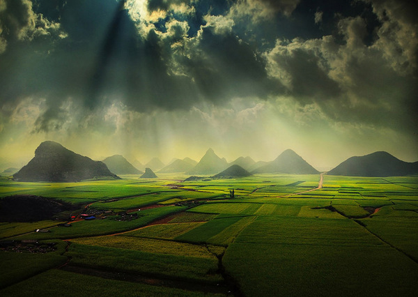 the landscape photography of Weerapong Chaipuck: juxtapoz_Weerapong_Chaipuck3.jpg