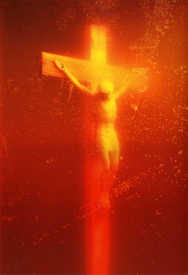 The controversial and provocative photographic work of Andres Serrano: jux_Andres_Serrano3.jpg