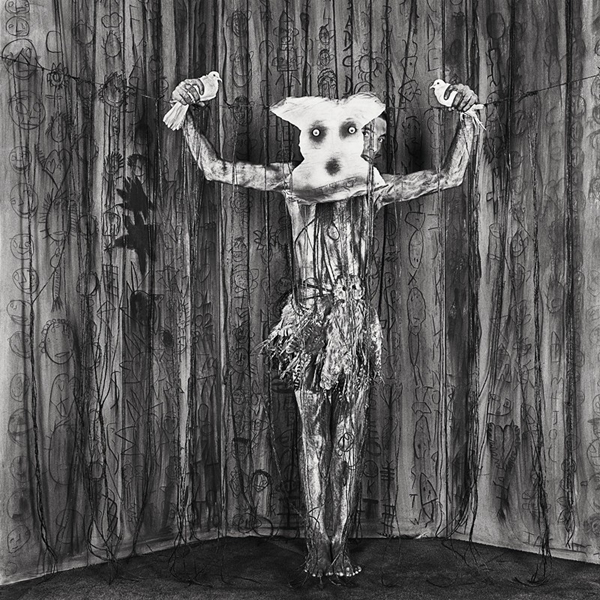 "video: Roger Ballen's ""Asylum of the Birds"": juxtapoz_roger_ballen1.jpg"