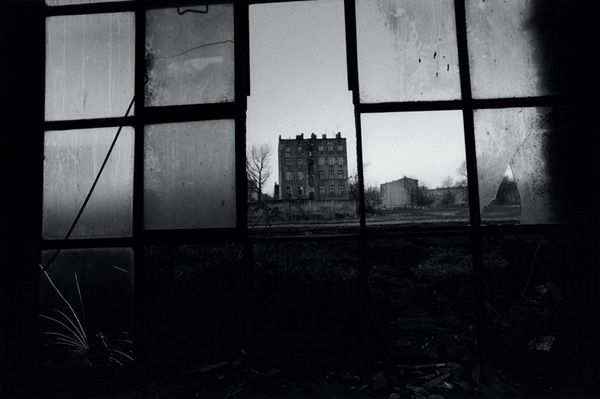 """The Factory Photographs"" by David Lynch: juxtapoz-david-lynch1.jpg"