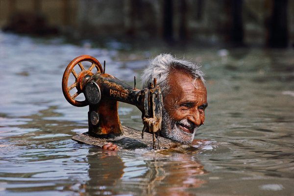 The iconic and daring images of Steve Mccurry: juxtapoz-steve_mccurry5.jpg