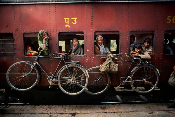 The iconic and daring images of Steve Mccurry: juxtapoz-steve_mccurry7.jpg