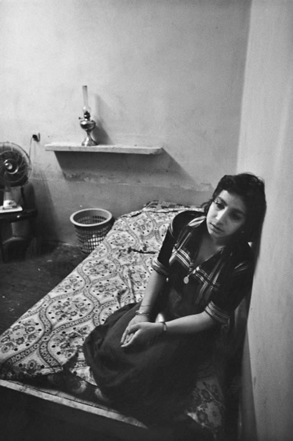 The women of Tehran's Red Light District: juxtapoz-kaveh_golestan2.jpg