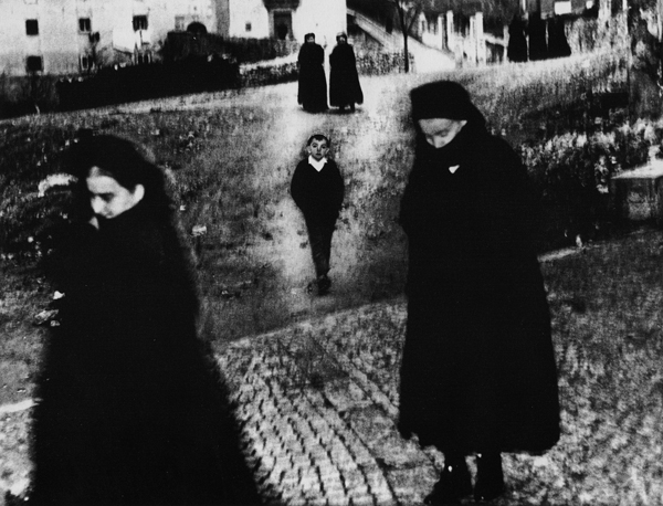 The work of Mario Giacomelli: juxtapoz-Mario-Giacomelli1.jpg