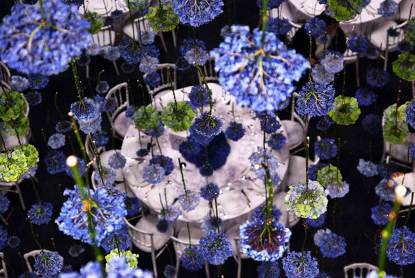 Rebecca Louise Law's Suspended Flower Installations: Rebecca-Louise-Law-Suspended-Flowers-11.jpg