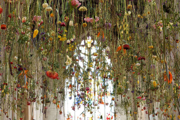 Rebecca Louise Law's Suspended Flower Installations: Rebecca-Louise-Law-Suspended-Flowers-7.jpg