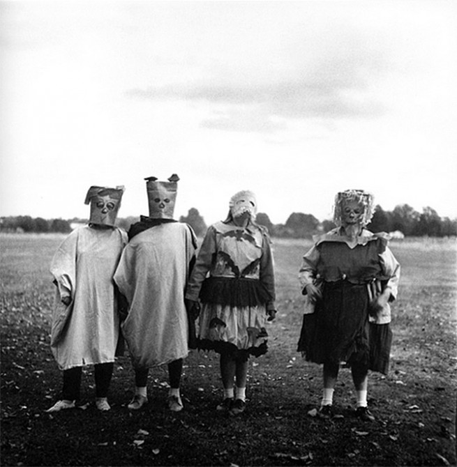 The Strange Characters of Diane Arbus: costumes1-655x670.jpg