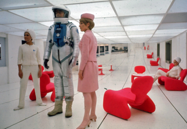Behind the Scenes Photos From 2001: A Space Odyssey: 16.jpg