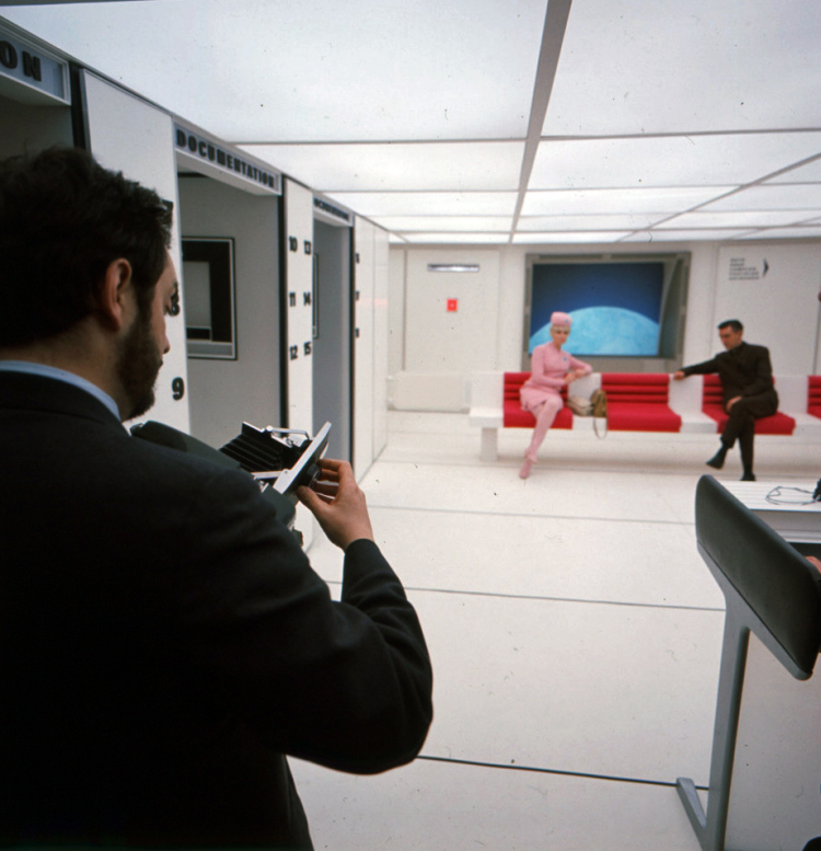 Behind the Scenes Photos From 2001: A Space Odyssey: 17.jpg