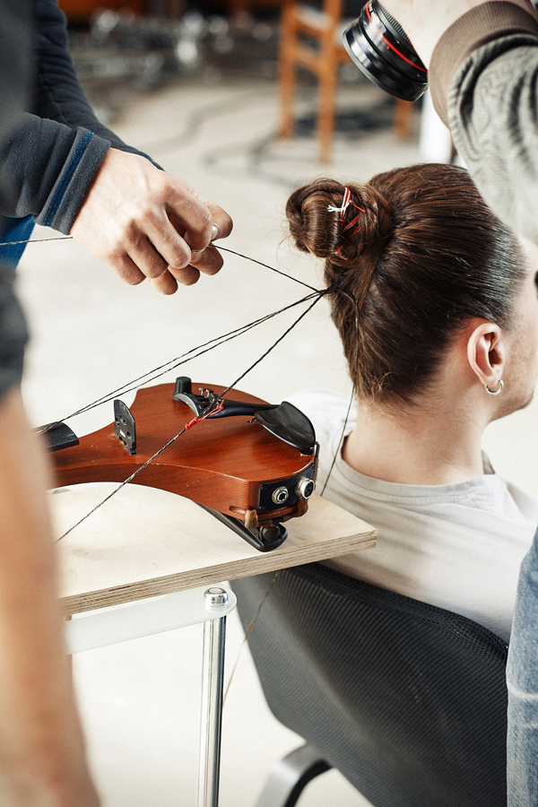 Hair Music: Man's Hair Used to String Violin: HAIR-MUSIC_The-Experiment_03.jpg