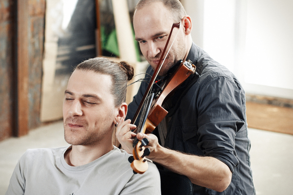 Hair Music: Man's Hair Used to String Violin: HAIR-MUSIC_The-Experiment_08.jpg