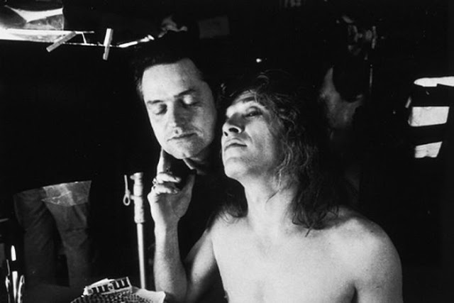 Behind the Scenes Photos From Silence of the Lambs: behind02.jpg
