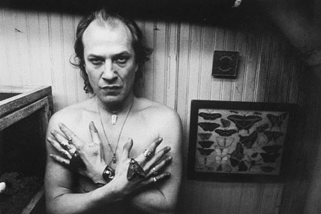Behind the Scenes Photos From Silence of the Lambs: behind_w.jpg
