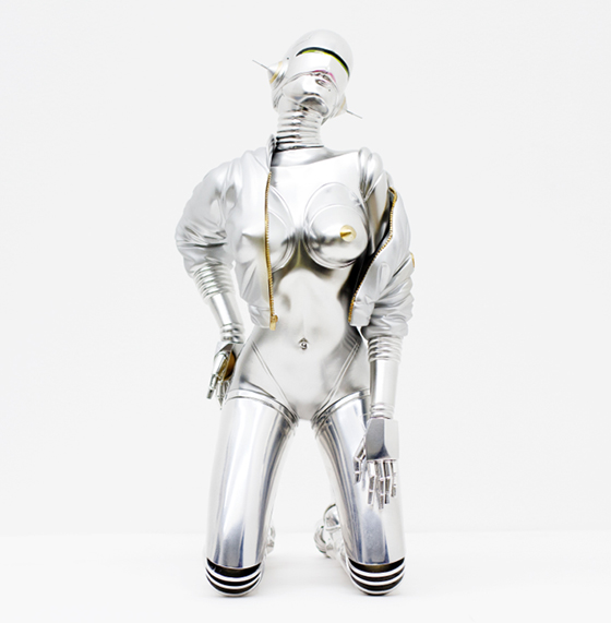 Hajime Sorayama Debuts Sexy Robot Sculpture: Screen-Shot-2014-05-19-at-10.28.57-AM.jpg
