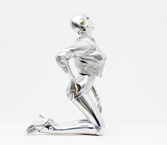 Hajime Sorayama Debuts Sexy Robot Sculpture: Screen-Shot-2014-05-19-at-10.29.08-AM.jpg