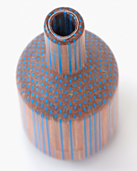 Tuomas Markunpoika Creates Beautiful Vases Using Hundreds of Pencils: pencilvases008.jpg
