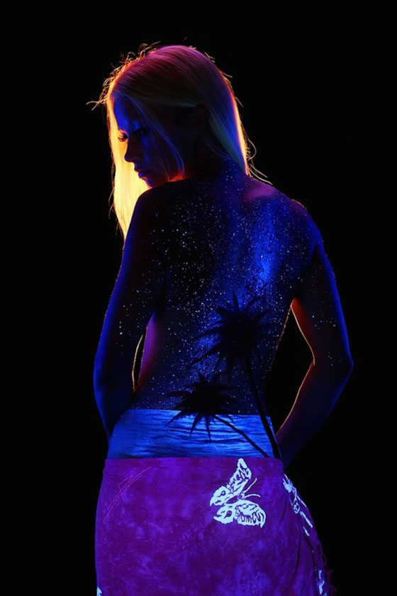 John Poppleton's Black Light Bodyscapes: johnpoppleton41.jpg
