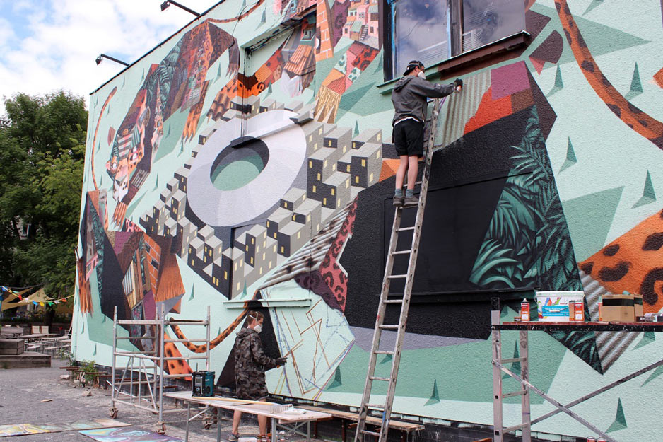 New Low Bros Mural at Urban Spree in Berlin: Photo-by-Phillipp-Barth_4.jpg