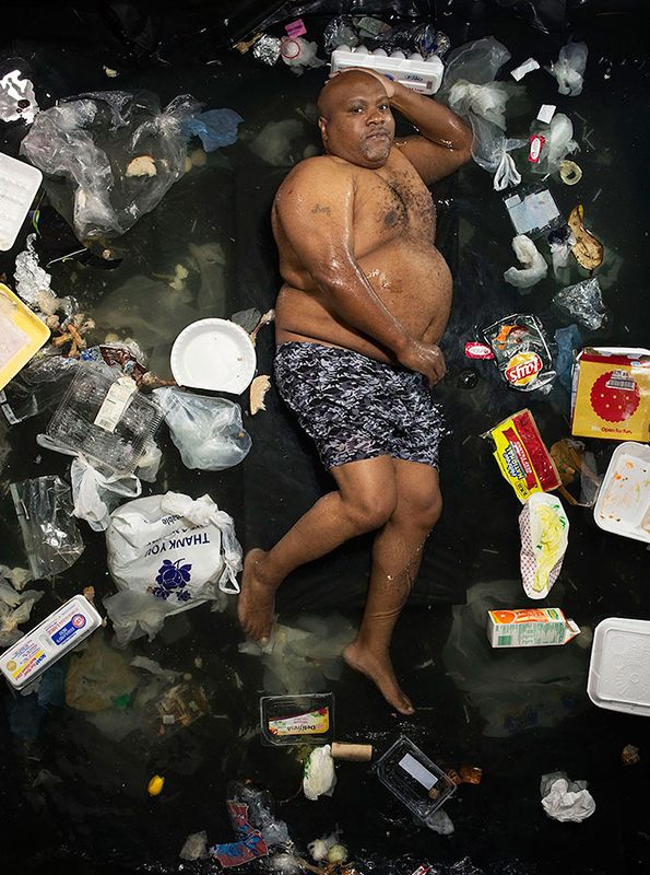 Gregg Segal: 7 Days of Garbage: 7-days-of-garbage-environmental-photography-gregg-segal-1.jpg